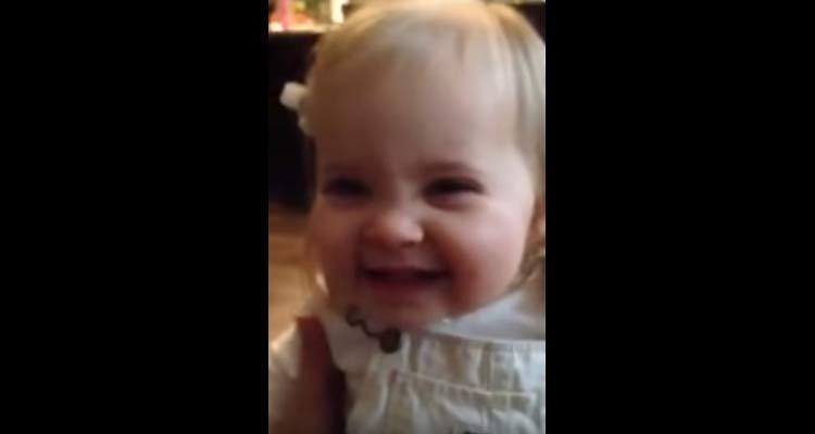 La sonrisa de este bebé te hará olvidar cualquier problema