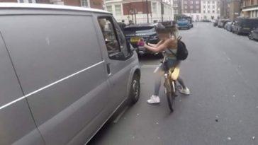 Ciclista se venga de un conductor