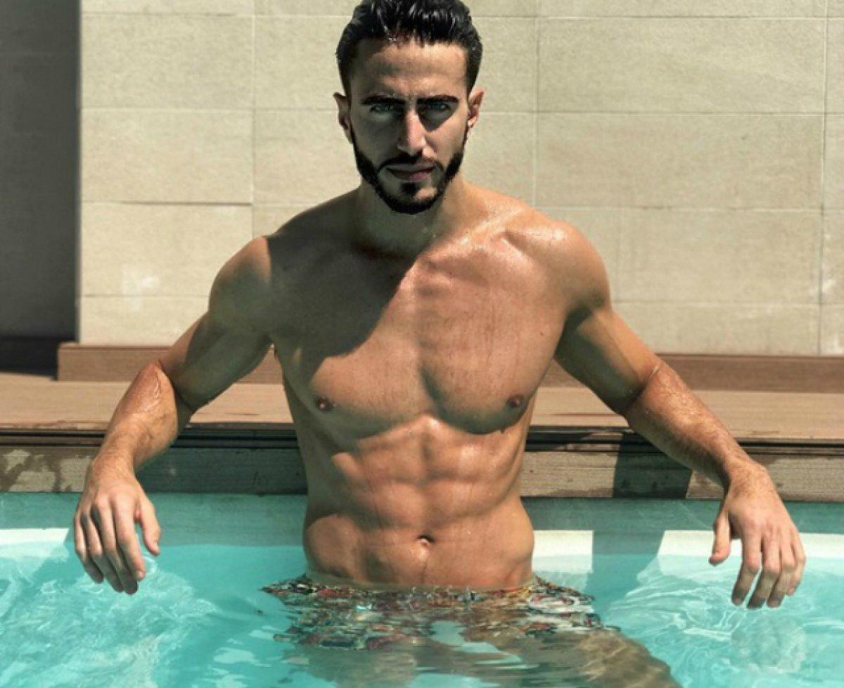 Marcos Ferri desnudo