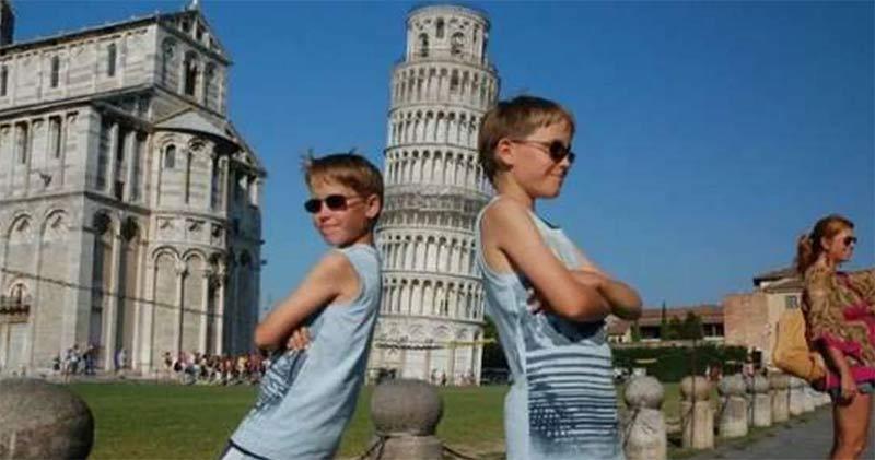 Gemelos torre de Pisa
