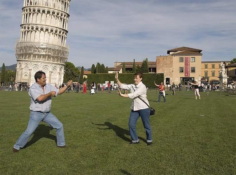 Sujetando torre de Pisa